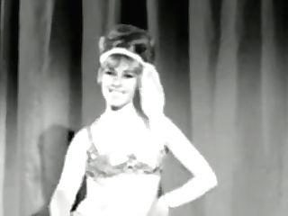 Gogo Woman - Old-school Rump Wiggle