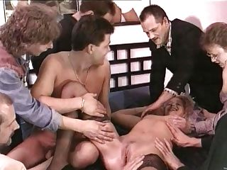 Retro Cougar Loves A Group Sex In Gonzo Interracial Vid